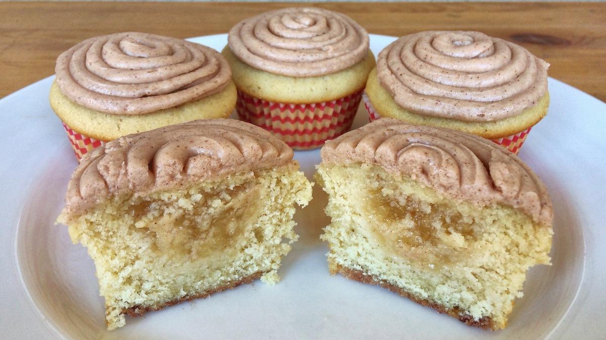 Apple Pie Cupcakes with Cinnamon Cream CheeseFrosting
