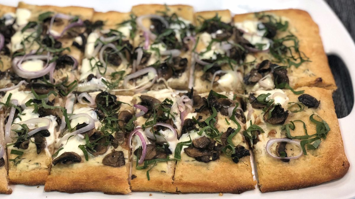 Rustic White Pizza with Roasted Garlic &Mushrooms